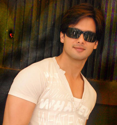 Shahid Kapoor movies, videos, photos, wallpapers and news